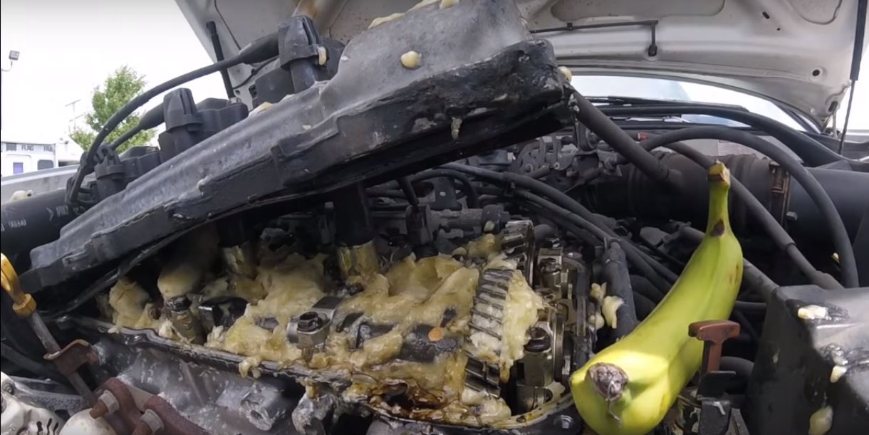 beater-toyota-gets-its-engine-oil-replaced-with-bananas-it-still-revs-like-hell-109854_1
